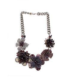 bc71cd30ff00 Collar morado de flores hecho en cristal y nacar.  handmade  necklace   fahoma