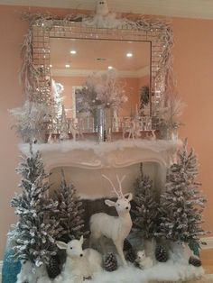 A snow-white Christmas scene :: Everything for the fireplace. That would be wonderful for … - Christmas Fireplace Decor Christmas Mantels, Noel Christmas, Vintage Christmas, Christmas Crafts, Modern Christmas, Simple Christmas, Christmas Movies, Elegant Christmas Decor, Rustic Christmas