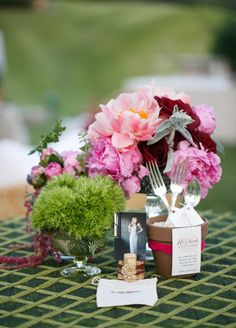 Vintage Centerpieces // Photo: Allan Zepeda