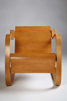 Alvar Aalto; Chair No.31 for Huonekalu-ja Rakennustyötehdas Oy Turku, designed 1931-1932. Laminated birch bentwood frame. Plywood and laminated birch forming seat and back.