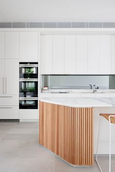 Kitchen island Back Panels . Kitchen island Back Panels . Paddington Terrace by Georgina Wilson Architect Kitchen Island Back Panels, Kitchen Island Overhang, Kitchen Island Shapes, Curved Kitchen Island, Kitchen With Long Island, Kitchen Island Bench, Long Kitchen, Kitchen Islands, Kitchen Reno