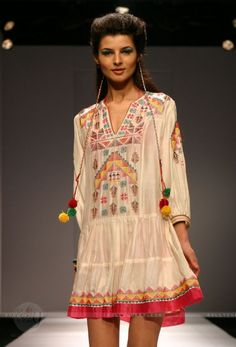 Indian famous dress designer Tanvi Kedia, gorgeous, elegant and awesome dresses designs collection at wills lifestyle new delhi india fashio. Ethnic Chic, Ethnic Fashion, Indian Fashion, Boho Fashion, Womens Fashion, Boho Outfits, Stylish Outfits, Fashion Outfits, Hippy Chic