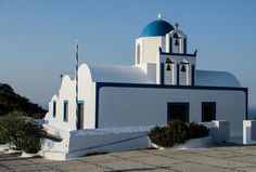 On the path from Fira to Oia. Vows, Greece, To Go, Mansions, House Styles, Places, Travel, Home Decor, Viajes
