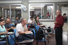 El Doctor Fernando Molína inició el día de ayer Catedra ESCOLME con el grupo de estudiantes de mercadeo.
