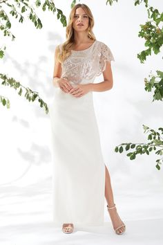 Check out our stylish range of women's dresses & give your wardrobe a fresh and fabulous new look. From bodycon dresses to maxi dresses, we've got it all. Maxi Bridesmaid Dresses, Wedding Dresses, Antique Roses, Spring Summer 2018, New Look, Bodycon Dress, Stylish, Pink, Women