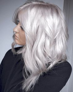 How to Get White Hair: Process From Start to Finish for Dying Hair White - Weißes Haar White Blonde Hair, Honey Blonde Hair, Platinum Blonde Hair, Pearl Blonde, Silver Platinum Hair, White Hair Highlights, Fall Blonde Hair, Silver White Hair, Silver Blonde Hair