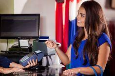 Selvitys vahvistaa: Naisten tuotteet maksavat enemmän kuin miesten vastaavat
