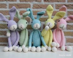 Stip & HAAK: Snuf in het pastel Bunny Crochet, Easter Crochet, Diy Crochet, Crochet Dolls, Easy Crochet Patterns, Amigurumi Patterns, Fabric Animals, Knitted Animals, Crochet Projects