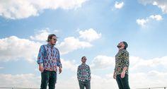Tra moda, musica e design, la storia di quattro ragazzi che vogliono reinventare il world apparel: con la tradizione sartoriale italiana e le fantasie di tessuto arrivate dal continente più affascinante del mondo