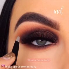 """So Creative 😍😍 History of eye makeup """"Eye care"""", quite simply, """"eye make-up"""" happens to Sparkly Makeup, Glam Makeup, Skin Makeup, Makeup Inspo, Eyeshadow Makeup, Makeup Inspiration, Makeup Tips, Beauty Makeup, Beauty Tips"""