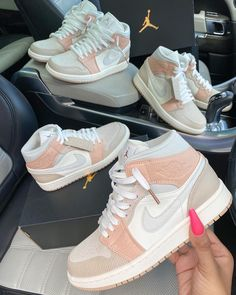 I am so happy i won the nike air jordan 1 giveaway by sherlina nym! Thank you girl, i love my shoes! I love the colors and wearing them! Dr Shoes, Cute Nike Shoes, Cute Nikes, Nike Air Shoes, Hype Shoes, Me Too Shoes, Shoes Sneakers, All White Nike Shoes, Cheap Cute Shoes