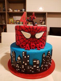 Torta spiderman pasta di zucchero