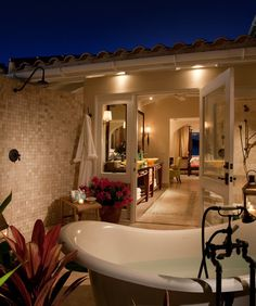 World's Most Amazing Hotel Bathrooms... Another list I'd like to knock out! Lol