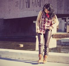 Faux Leather Pants http://tupersonalshopperviajero.blogspot.com.es/ #tartan