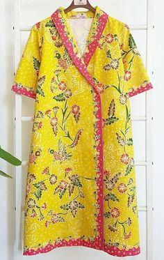 Batik Kebaya, Batik Dress, Stylish Dresses For Girls, Girls Dresses, Batik Fashion, Window Shopping, Felt Crafts, Wardrobes, Pretty Dresses