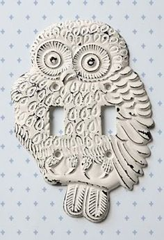 yes my kid will have a harry potter themed bedroom. owl switchplate cover from Anthropologie Switch Plate Covers, Light Switch Plates, Light Switch Covers, Do It Yourself Design, Owl Kitchen, Kitchen Stuff, Harry Potter Nursery, Owl Crafts, Home Goods Decor