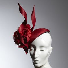 philip-treacy-london-red-flower