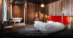 Discover Terminal Neige - Refuge du Montenvers, high altitude hotel and restaurants at the Mer de Glace glacier in Chamonix. Alps of France Hotel In Den Bergen, Bed & Breakfast, Chalet Chic, Chalet Style, Hotels In France, Chamonix Mont Blanc, Lit Simple, Refuge, Viajes