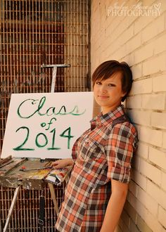 Artistic Senior Picture ideas. Class of 2014 Painter. Jaclyn Heward Photography