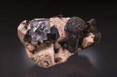 Fluorite & Goethite on Smoky Quartz, Microcline, Albite, Lakeview Lode, Park Co., Colorado, Yasu Okazaki collection & Photo