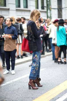 Molto Bella: Milan Street Style These jeans are super awesome!