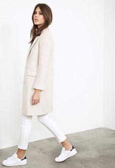 Chic Style - all white outfit with longline jacket, jeggings & sneakers