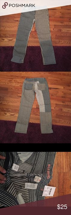 J Crew pants Striped J CREW PANTS SIZE KIDS 12!!!!! Also fit size 23/24!!!! Super cute! New with tags! Never worn! J. Crew Pants Straight Leg