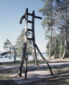 Serenity in the Garden: Art in the Garden - Ladder Art Steel Sculpture, Modern Sculpture, Sculpture Art, Sculpture Garden, Garden Ladder, Jacob's Ladder, What Is Landscape, Sculpture Lessons, Wind Sculptures