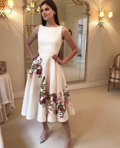 beautiful floral print dress to wear 8 Royal Dresses, Cute Dresses, Beautiful Dresses, Prom Dresses, Summer Dresses, Wedding Dresses, Civil Wedding, Look Chic, Skirt Outfits