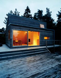 Norwegian architect Marianne Borge has responsibly designed an impressive but demure prefab cabin named W35 — Woody 35 meters square. | Oslo, Norway