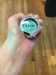 Nyx prismatic eyeshadow in Mermaid❤️