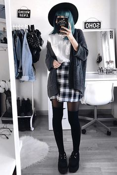 Dual Pocket Raglan Sleeve Sweater Coat Source: @deaddsouls