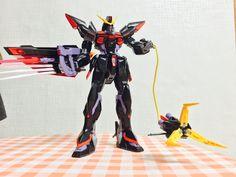 차장님께 선물받은 GAT-X207 BLITZ GUNDAM 완성 ㅋㅋㅋ 완전 므쪄버리는구마이~  감사합니다~!!!ㅎㅎ 스티커 데칼은 어려워서 나중에 하는걸로 ㅎㅎㅎ