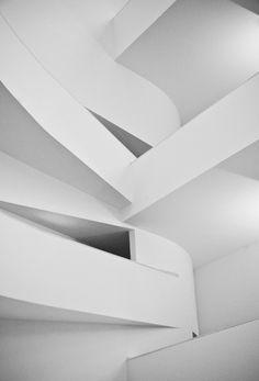 Shapes & columns [iberê camargo museum special - brazil] / andre peniche.