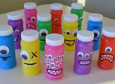 Neat Little Nest: DIY Monster Bubbles for Kids' Birthday Party (Bottle Bag Birthday Parties) Little Monster Birthday, Monster 1st Birthdays, Monster Birthday Parties, Birthday Fun, First Birthday Parties, Birthday Ideas, Birthday Favors, Little Monster Party, Monster Inc Party