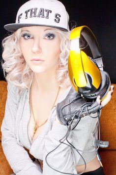 Another photo DJ Mirjami to Oblanc Headphones Company, another sexy style DJane Mirjami