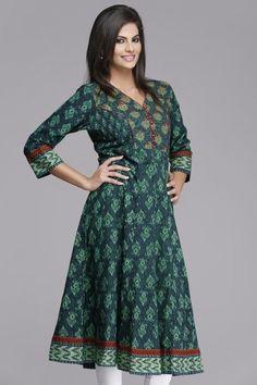 Gorgeous Green Anarkali Cotton Kurta by Farida Gupta Kurta Patterns, Dress Patterns, Kurta Designs Women, Blouse Designs, Indian Dresses, Indian Outfits, Vintage Style Dresses, Casual Dresses, Kurtha Designs