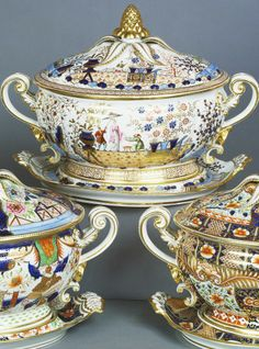 Close up Oval tureen, cover and stand (part of the Harlequin service)  Worcester England