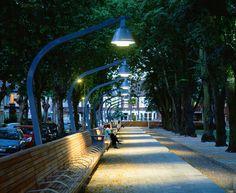 Warrior Square Gardens by Gillespies Landscape Architects « Landscape Architecture Platform Urban Furniture, Street Furniture, Street Light Design, Manchester City, Park Lighting, Blitz Design, Landscape Lighting Design, Public Garden, Contemporary Landscape