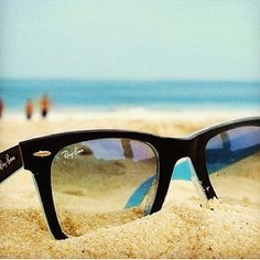 ray bans + summer = perfection cant wwait to get my sunglasses and head to the beach!!:)