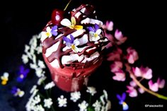 Kun kirsikka kohtasi kaakaon Good Bakery, Salty Foods, Sweet And Salty, Birthday Candles, Pudding, Healthy, Desserts, Tailgate Desserts, Savory Foods