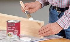 Holz lackieren: Ob im Garten oder der Holzwerkstatt – durch das Lackieren wird Holz zuverlässig vor Witterungseinflüssen und Staub geschützt