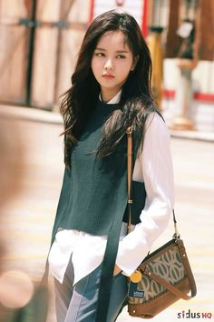 KimSoHyun Singles Magazine 2017 September Issue