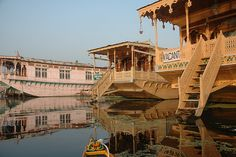 Best tour package of Srinagar, Indian Travel Agency,Tour Operators in India,Tailormade Tours to India,Budget Travel in India