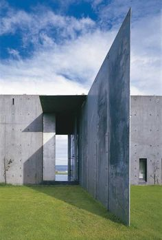 A wall like a vertical line. Cape Schanck Residence by Denton, Corker Marshall (Australia)