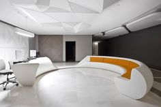Liv Hospital Polyclinic Waiting Area design by Zoom TPU- Liv Hospital Polyclinic. Lobby Interior, Office Interior Design, Interior Architecture, Futuristic Interior, Futuristic Design, Space Interiors, Office Interiors, Clinic Design, Arquitetura