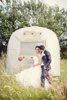 english countryside kisses // photo by Katy Lunsford
