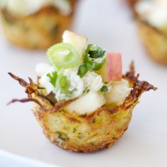 Potato Nests with Gingered CrabYou can find Nests and more on our website.Potato Nests with Gingered Crab Finger Food Appetizers, Appetizers For Party, Finger Foods, Appetizer Recipes, Canapes Recipes, Seafood Recipes, Cooking Recipes, Good Food, Yummy Food