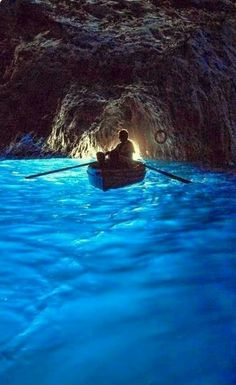 La grotta azzurra. Capri