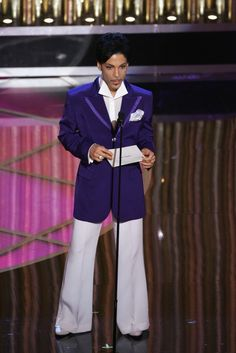 Prince, at the 77th Annual Academy Awards in 2005, wearing his signature color: purple.